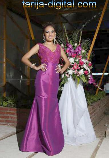Adriana Garzon, azafata de la Gobernacion de Tarija
